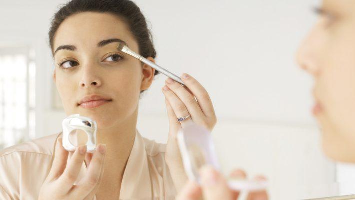 triki ułatwiające makijaż